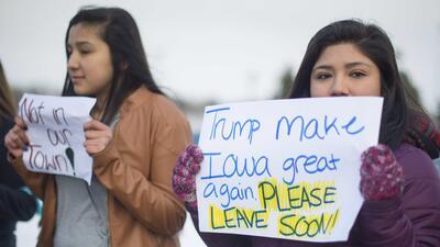 Manifestación en Marshalltown, Iowa, contra Donald Trump