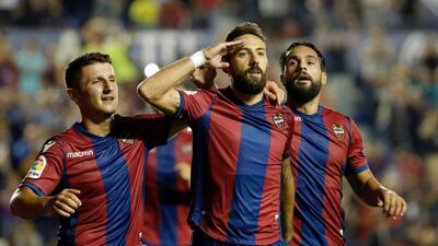 Levante goleó a la Real Sociedad; Carlos Vela disputó los 90 minutos