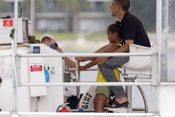 El derrame fue finalmente contenido en agosto y los Obama se tomaron una...