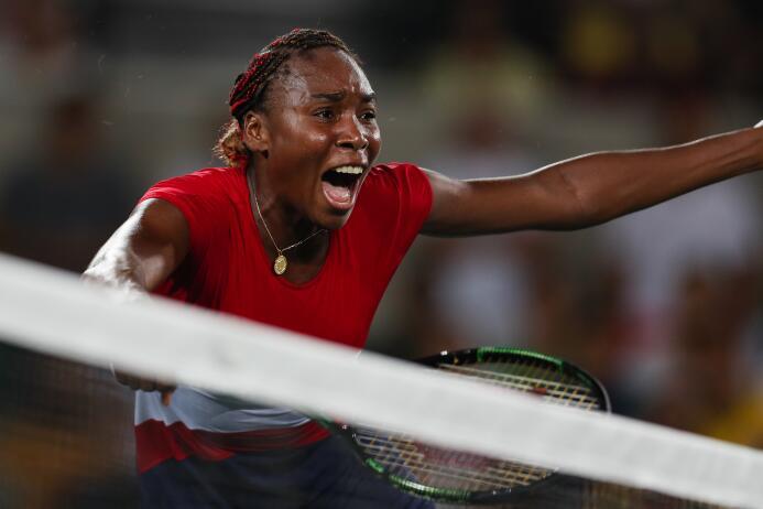 Venus Williams no pudo ganar en su partido de apertura perdiendo 4-6, 6-...