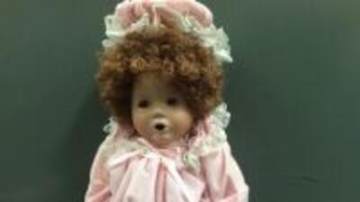 La aparición de una serie de muñecas de porcelana pusieron en alerta a u...