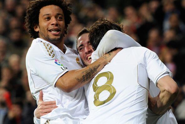 Dos tantos del argentino y triunfo final de 5-0 del Real Madrid ante Esp...