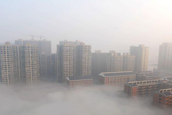 El aumento de los niveles de niebla tóxica causado por cientos de empres...