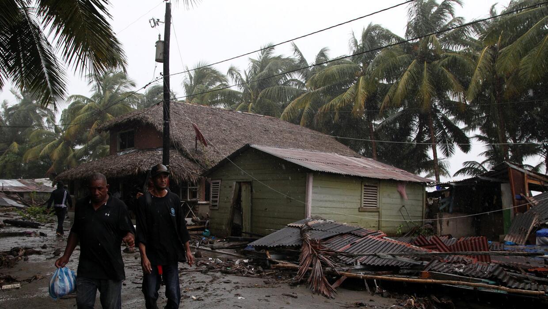 El intenso huracán pasó por la costa norte de Repúb...