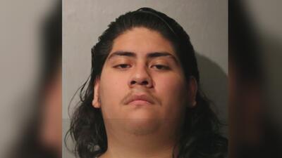 Le presentan cargos a un hombre por el asesinato de un adolescente en el oeste de Chicago