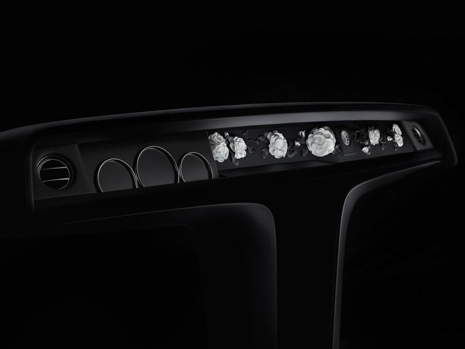 Dios salve al rey: este es el nuevo Rolls-Royce Phantom VIII SIDE_NYMPHE...