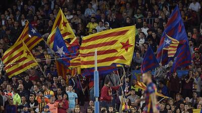 Banderas esteladas en el Camp Nou