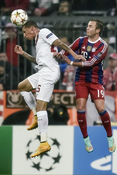 Sin ningún problema el Bayern Múnich venció 2-0 a una débil Roma que vol...