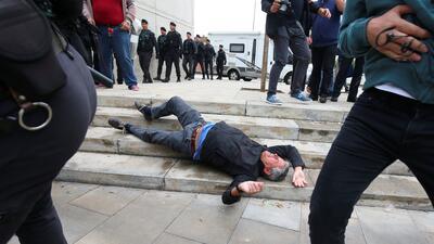 En fotos: La violencia policial marca la consulta popular de los catalanes