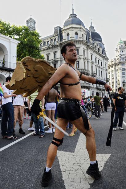 El festejo gay culminó frente al Congreso Nacional ya entrada la noche c...