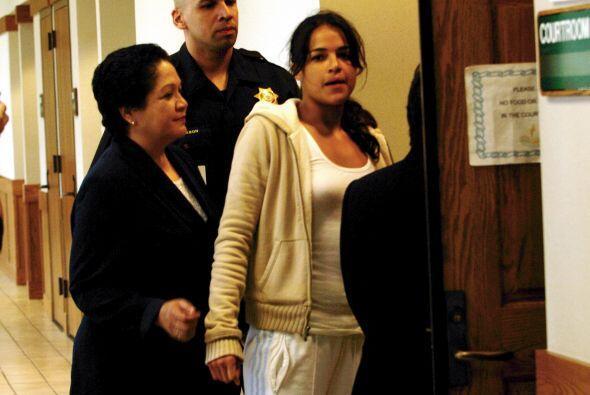 En 2005 fue detenida por manejar bajo el influjo del alcohol.   Mira aqu...