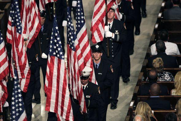 Bomberos del 9/11 honrados en San Patricio f4142611f37146379c606da444d06...