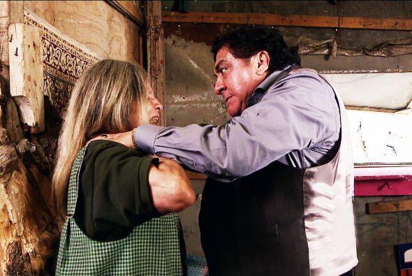 Cálmese don Italiano, ¡está a punto de asesinar a doña Rita! No sea tan...