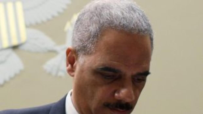 """Eric Holder """"merece estar en la cárcel"""", de acuerdo a la Asociación Naci..."""