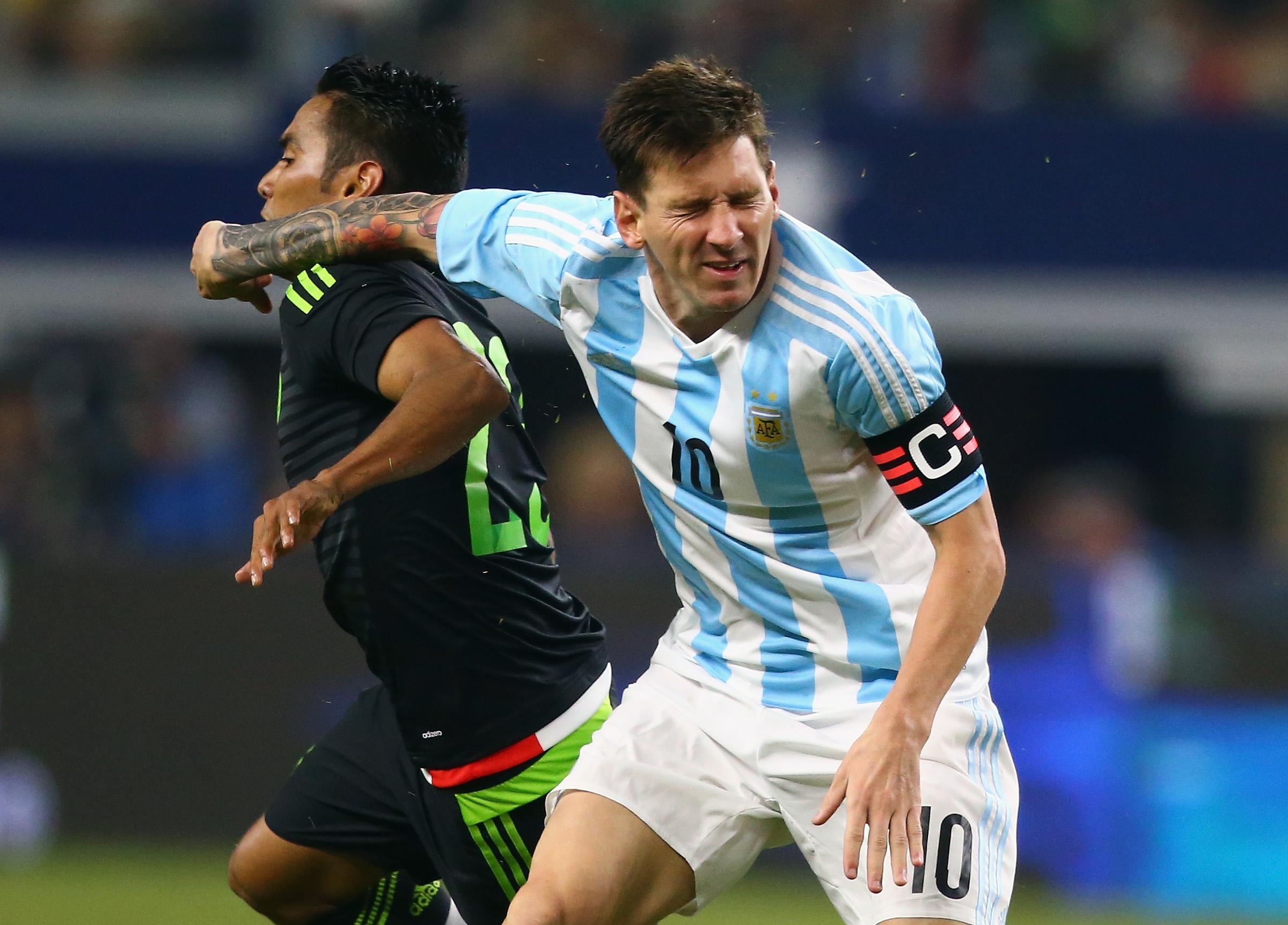 Lionel Messi durante el último encuentro entre México y Argentina